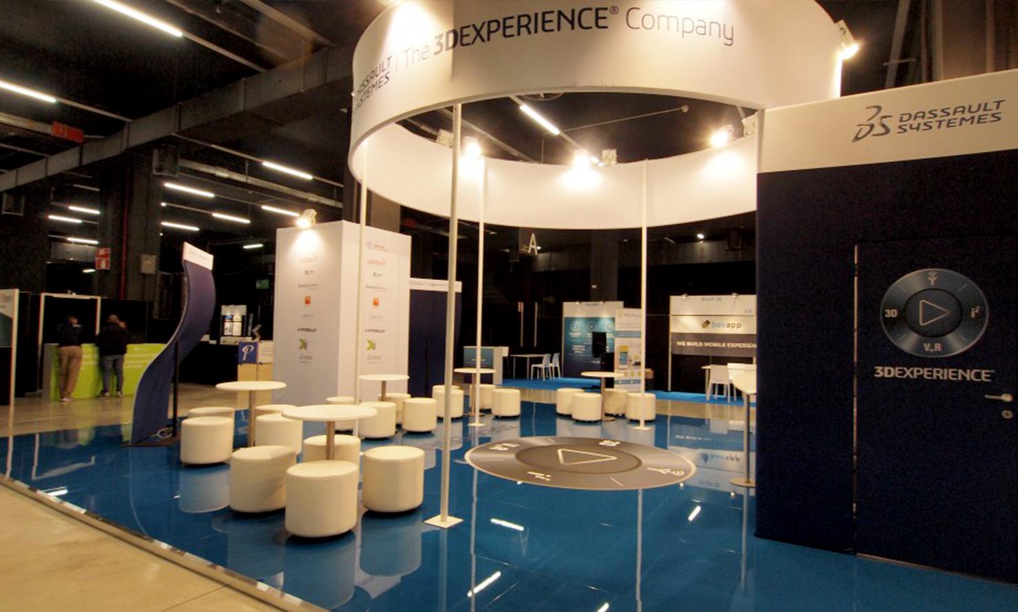 https://www.kubelibre.com/uploads/Slider-work-tutti-clienti/dassault-systèmes-exhibition-international-technology-hub-2.jpg